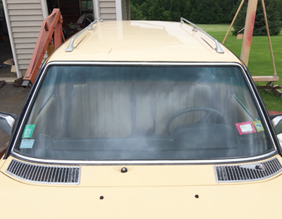 W123 windshield